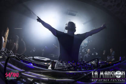 Foto_fiesta_la_mansion_Barcelona_electronic_party_dj_sessio_10_septiembre_2017-23