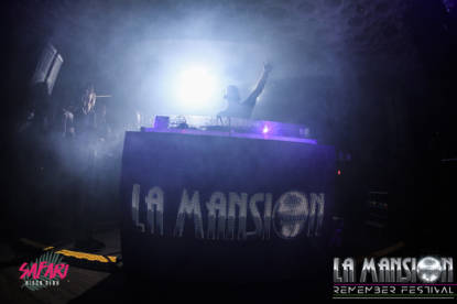 Foto_fiesta_la_mansion_Barcelona_electronic_party_dj_sessio_10_septiembre_2017-24